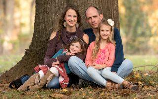 21 Family Portrait Ideas for Gorgeous Photos